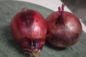1140 ONIONS RED (A)